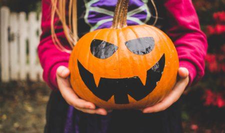 5 Ways Halloween Helps Your Kids Learn English